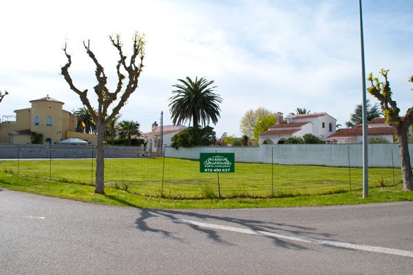 plot in Empuriabrava