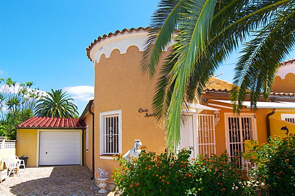 house in Empuriabrava