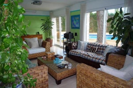 One of the 2 exotic living rooms