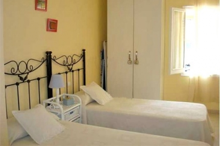 One of the 2 lovely bedrooms