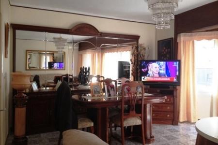 Apartment-Dining area-Roses